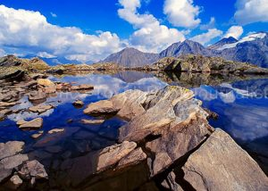 La forte profondità di campo fa apprezzare bene il paesaggio