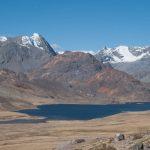 Malgrado il lago e la neve la foto risulta banale poiché è distante, un po' annebbiata e manca di punti di attenzione